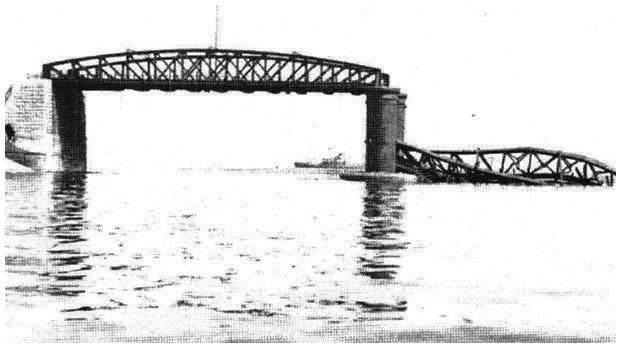 The breakwater bridge destroyed by an E-boat on the 26th of July 1941.