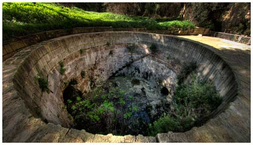 The extremity of the underground water tunnel which ends near 'Triq Bormla'